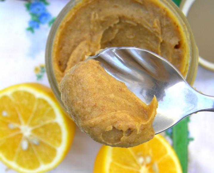 Raw Staple Sweetener: Date Paste