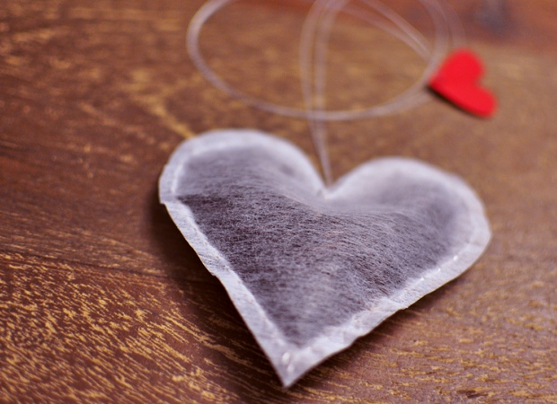 Valentine's Day DIY: Heart-Shaped Tea Bags