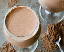 Drink Up: Mineral-Rich Chocolate-y Smoothie