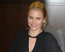 Body Love: Cameron Diaz's Tips For Aging With Strength + Grace