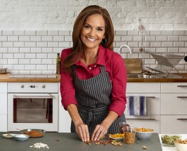 Mocha Granola + Cauliflower Pizza: A Healthy Day with Nutritionist Joy Bauer