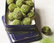 Holiday Party Bites: Clean Green Matcha Chocolate Truffles