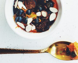 NYC Bite of the Month: Sakara Life's Bee Pollen, Cacao + Sweet Potato Bowl