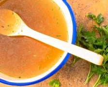Leaky Gut 101: Does Your Gut Need Healing + The Bone Broth Phenomenon
