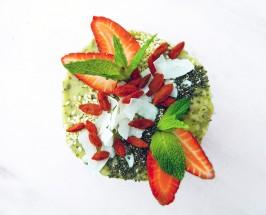 Little Mueslings' Berry Cashew Cream Tarts With Raw Almond Crust
