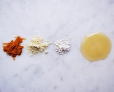 The Turmeric Treatment: A Homemade Face Mask For Ultra Glowiness