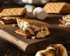 Make These Superfood S'mores With Chocolate Protein Bark