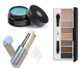 10 ESSENTIALS FOR FLAWLESS HOLIDAY BEAUTY