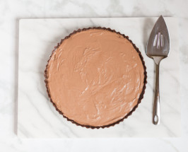 An Indulgent, No-Bake Chocolate Cream Tart That's Junk Free