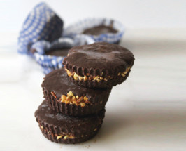 Stop It Right Now: Raw Chocolate Cups With A Crunchy Filling