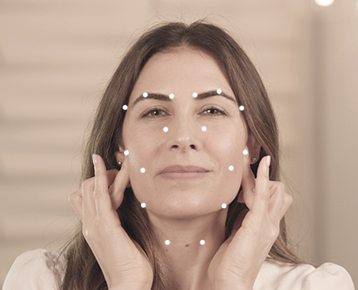 Facial pressure points try this ridiculously easy at home beauty facial pressure points try this ridiculously easy at home beauty hack solutioingenieria Image collections