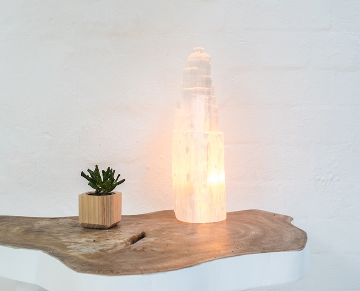 energy muse selenite lamp